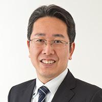 金井 義家 氏